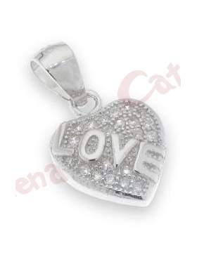 Μενταγιόν ασημένιο επιπλατινωμένο και άσπρες πέτρες ζιργκόν σε σχέδιο καρδιά με την λέξη LOVE