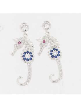 Σκουλαρίκια ασημένια επιπλατινωμένα με λευκές μπλε και κόκκινες πέτρες ζιργκόν σε σχέδιο ιππόκαμπος