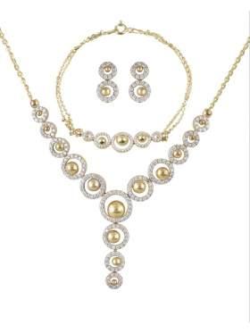Set κίτρινο χρυσό με άσπρες πέτρες ζιρκόν καράτια 14 σε σχέδιο ροζέτα και σφυρήλατο