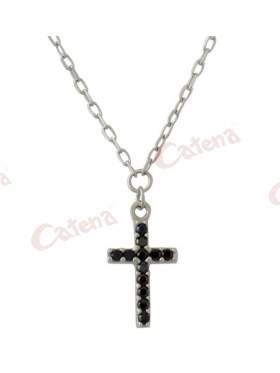 Κολιέ λευκόχρυσο με σχέδιο σταυρό στολισμένο με μαύρες πέτρες ζιργκόν