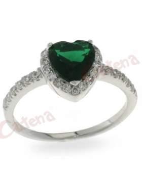 Δαχτυλίδι ασημένιο επιπλατινωμένο με πράσινη πέτρα ζιργκόν στο κέντρο σε σχέδιο καρδιά