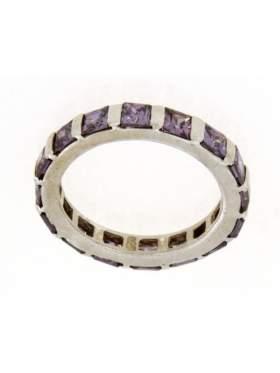 Δακτυλίδι ασημένιο επιπλατινωμένο με πέτρες από αμέθυστος σε σχέδιο ολόβερο