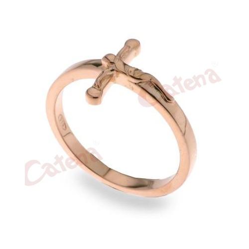 Δαχτυλίδι ασημένιο επιχρυσωμένο ροζ σε σχήμα σταυρός με τον εσταυρωμένο  χωρίς πέτρες f469522f787